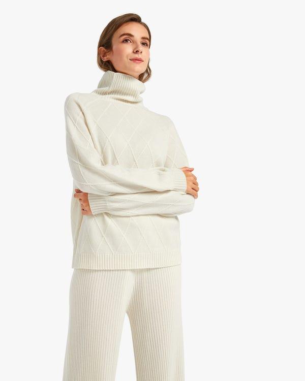 Unique Diamond Knit Cashmere Turtleneck Sweater White L