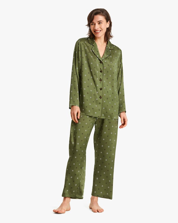 Edelweiss Print Silk Women All Season Pajamas