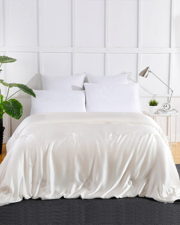 Summer Silk Covered Silk Comforter Queen