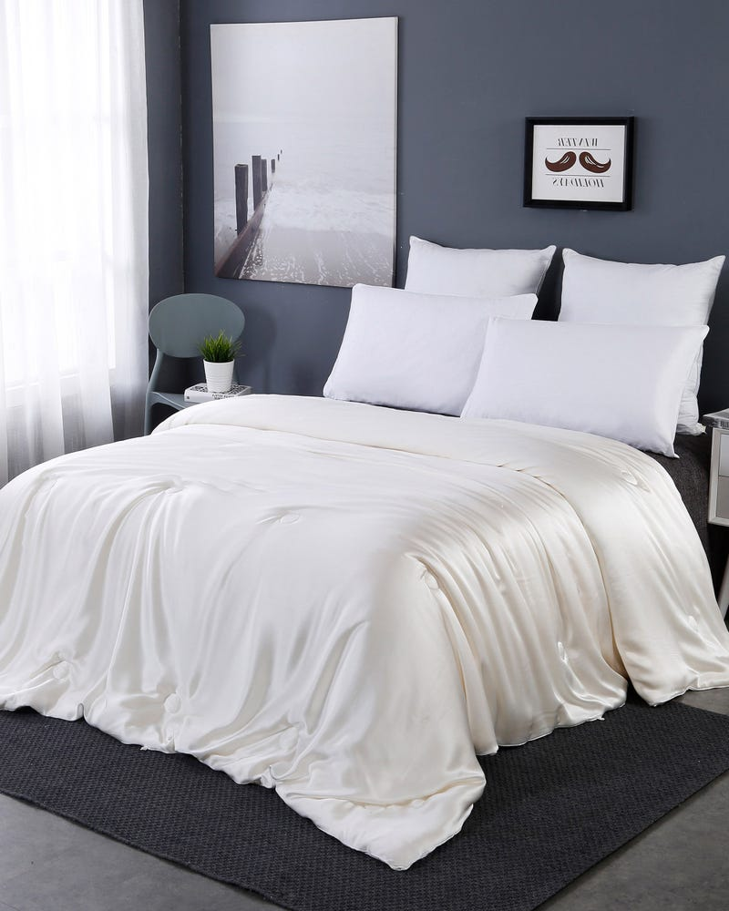 All Season Silk Covered Silk Comforter