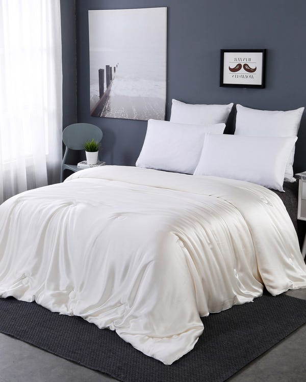 All Season Silk Covered Silk Comforter