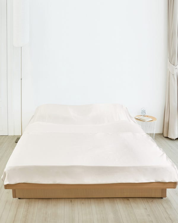 Essential Silk Sleeping Bag For Travel Ivory 198x203cm