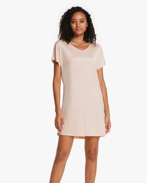 Nachtkleid aus Seidenstrick im T-Shirt-Stil