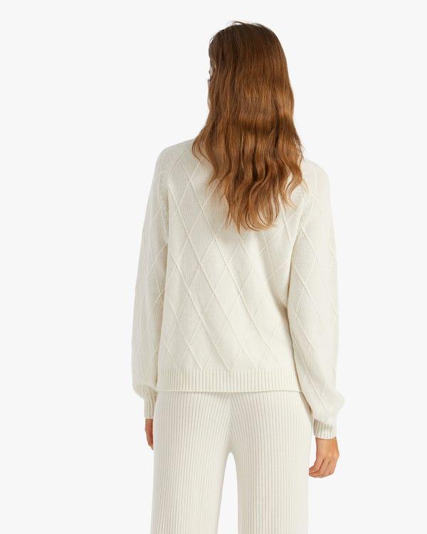 Unique Diamond Knit Cashmere Turtleneck Sweater White L-hover