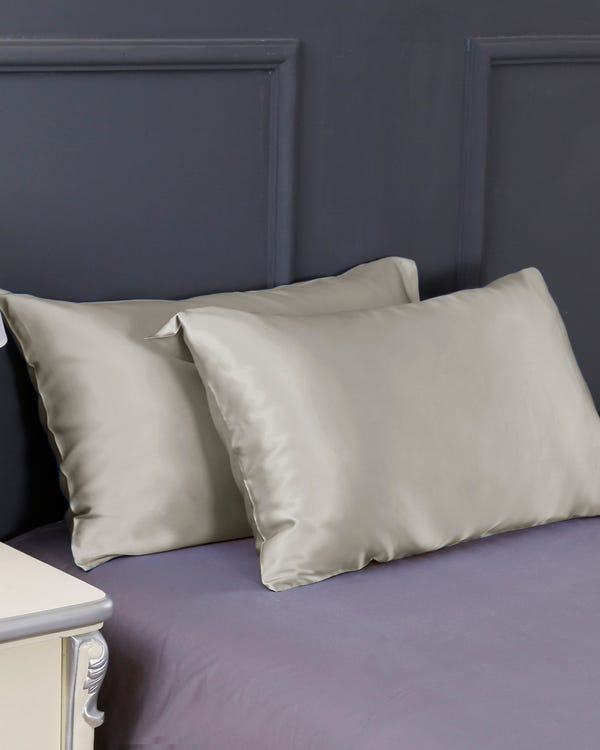 19 Momme Housewife Silk Pillowcase Silvergray Travel-hover