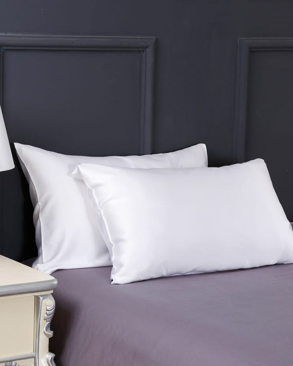 19 Momme Terse Silk Pillowcase-hover