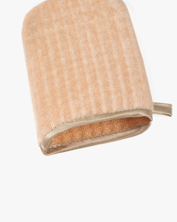 Silk Wash Pad And Towel-hover