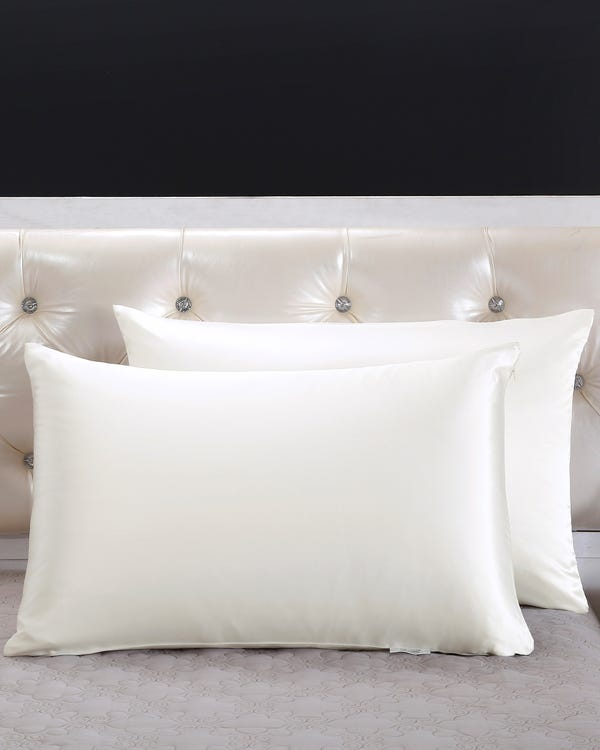 22 Momme Housewife Silk Pillowcase with Hidden Zipper Ivory 30x40cm-hover