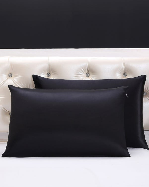 22 Momme Housewife Silk Pillowcase with Hidden Zipper Black King-hover