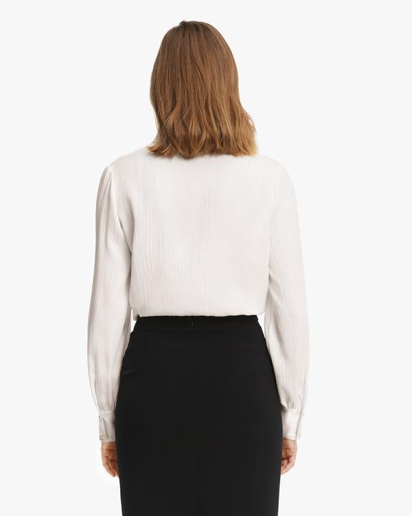 Camisa Seda Elegante con Textura-hover