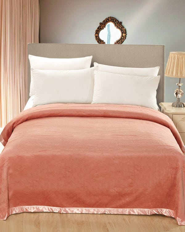 Silk Blanket Pink 180x210cm-hover