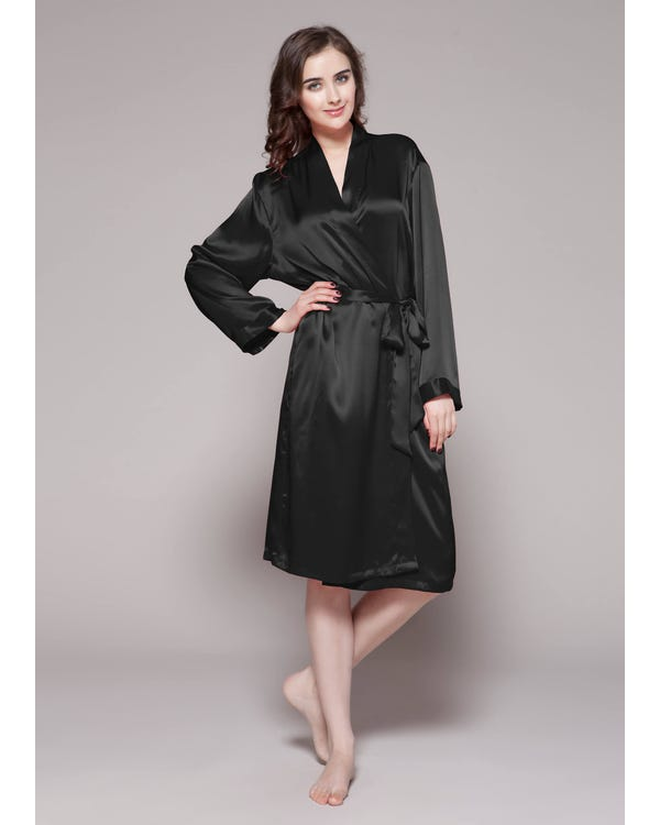 22 Momme Classic Mid Silk Robe Black 1X-hover