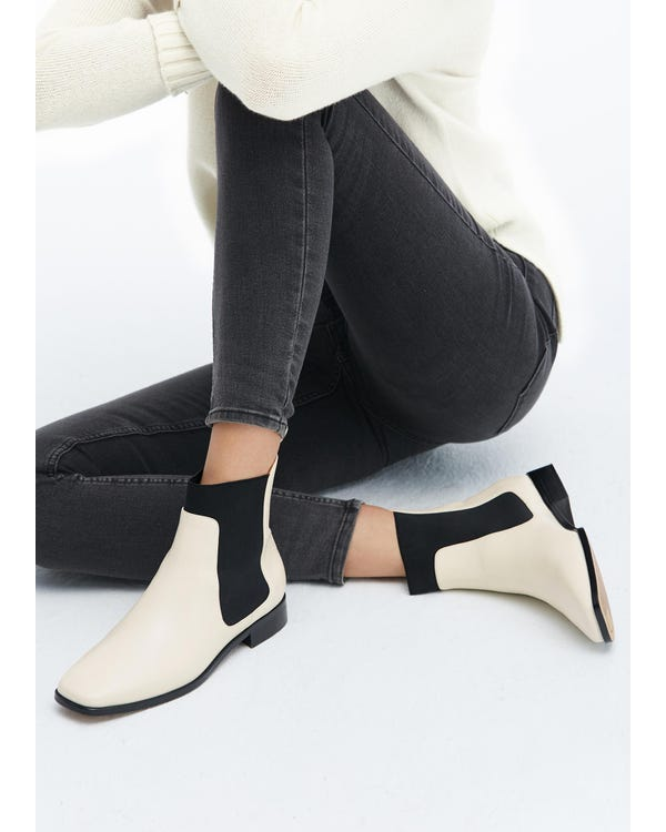 The Chelsea Boots Cream-White-leather 85-hover