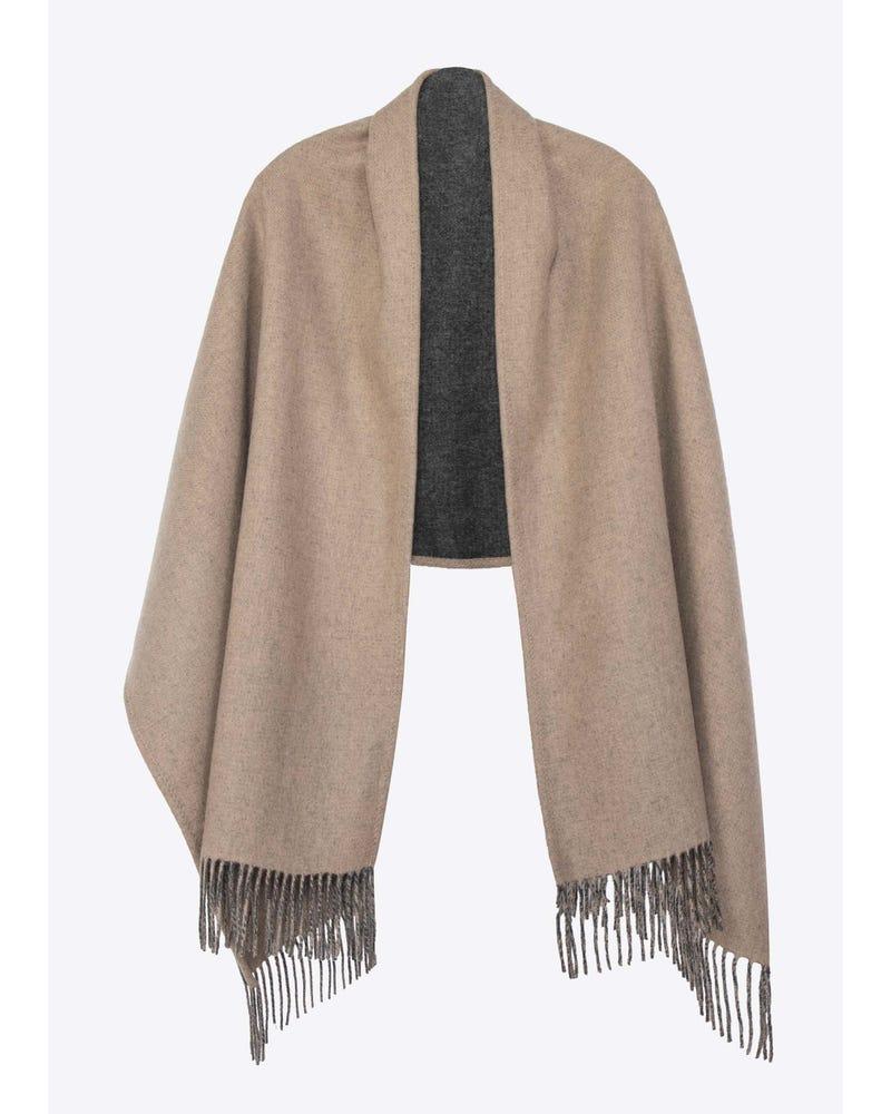 Scialle di lana di colore a contrasto senza tempo