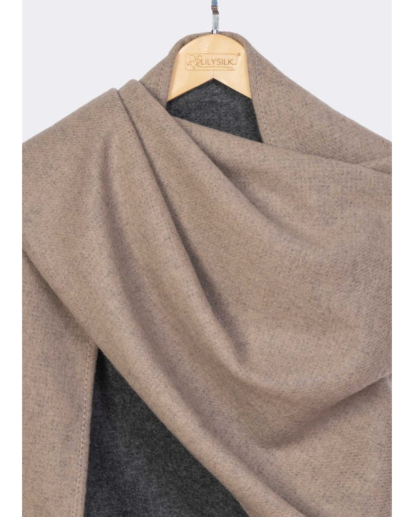 Timeless Contrast Color Woolen Shawl-hover