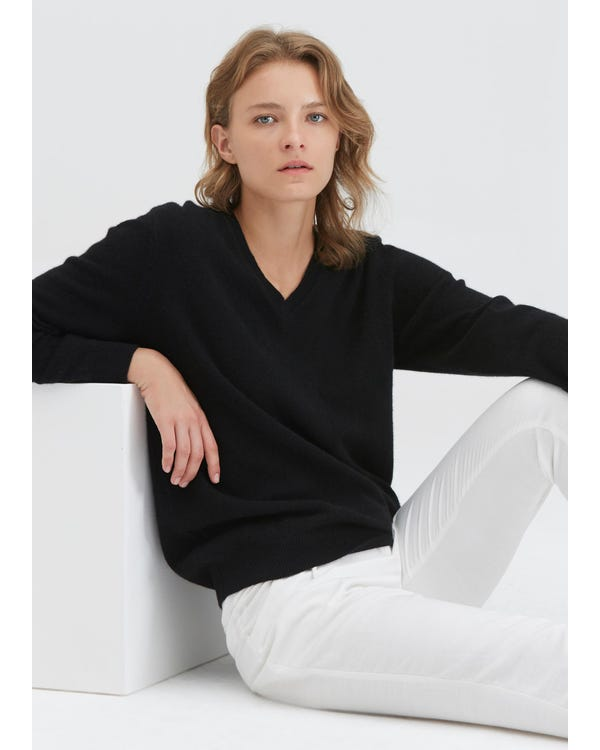 Women's Cashmere V Neck Sweater-hover