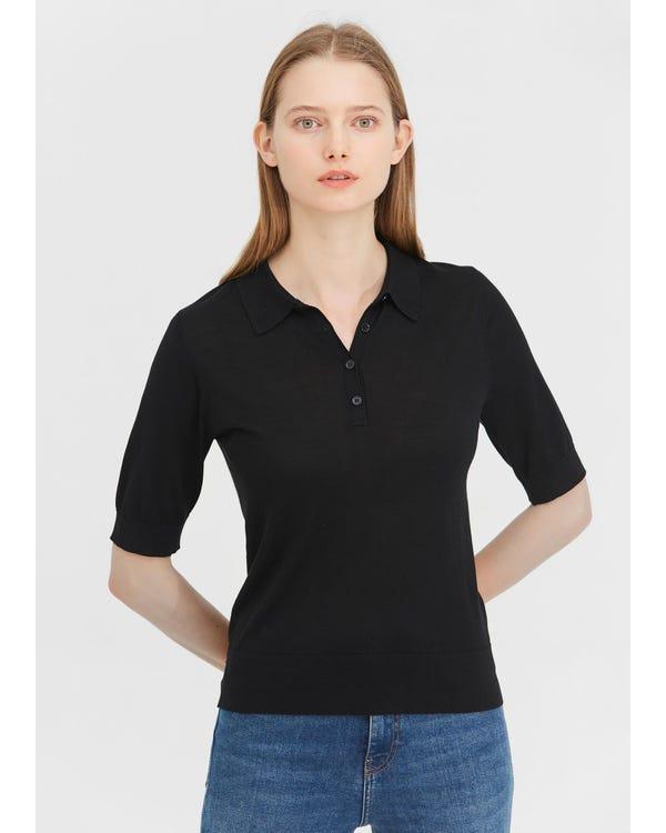 Elegantes seidengestricktes Polo-Shirt