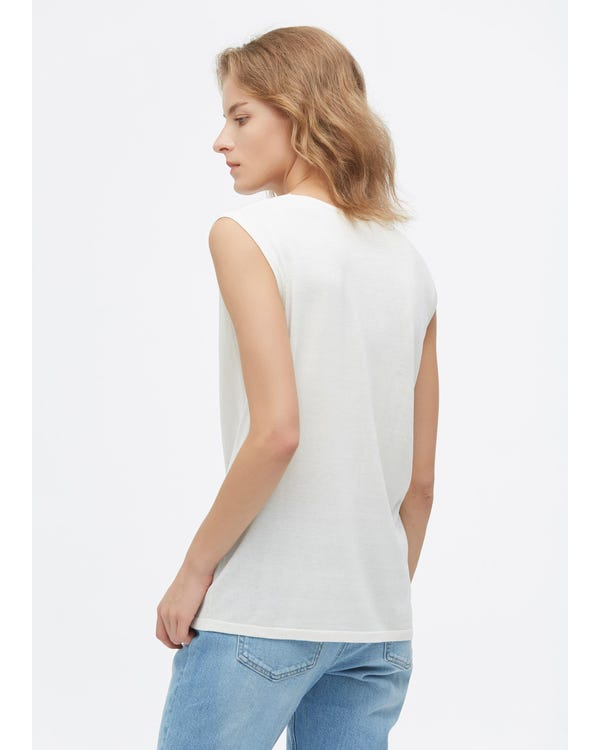 Stylish Sleeveless Silk kniteed Tee