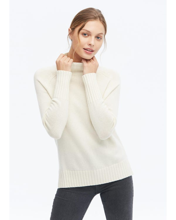 Essential Pullover Style Cashmere Turtleneck Sweater-hover