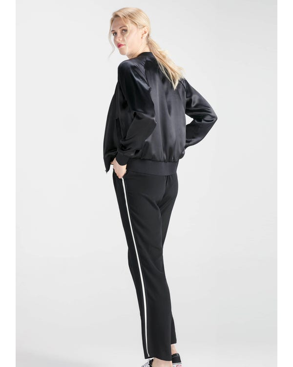 Insanely Comfortable Silk Jacket Black XXL-hover